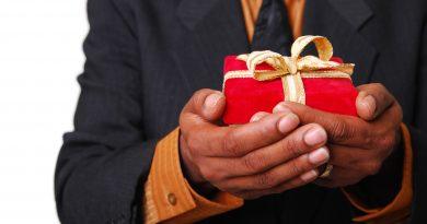 Jak vybrat vánoční dárek pro obchodního partnera?