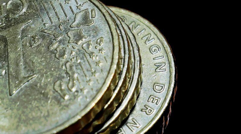 Euro Coins Coins Currency Money  - moritz320 / Pixabay
