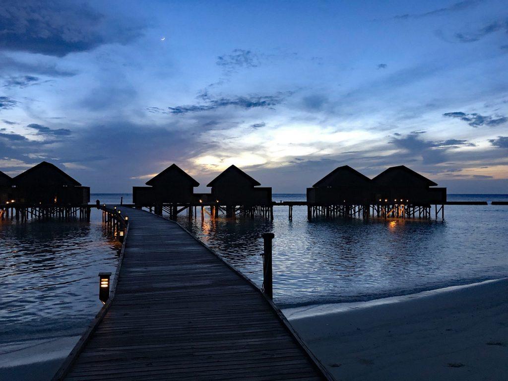 Water Bungalow Beach Water Bungalow  - JBi-Weisendorf / Pixabay